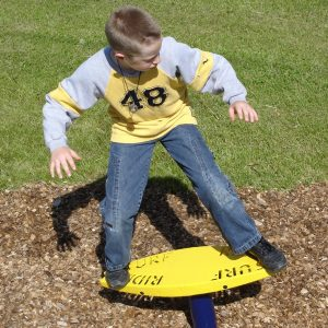 Interactive independent playground equipment